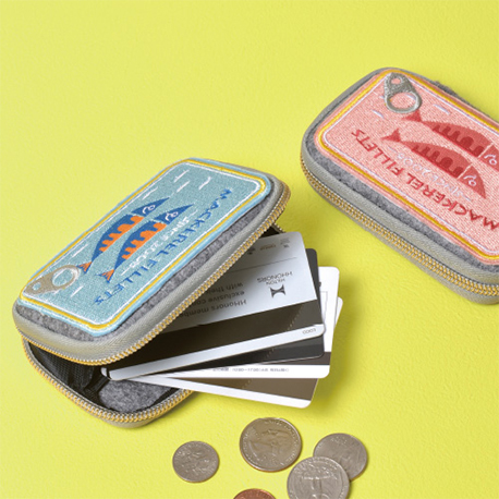 card case (canned food)
